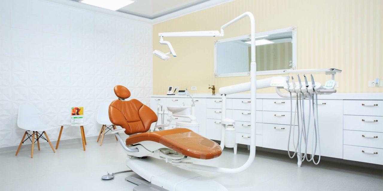 Cabinet stomatologic pentru persoanele cu HIV/SIDA la Spitalul de Boli Infecţioase Iaşi