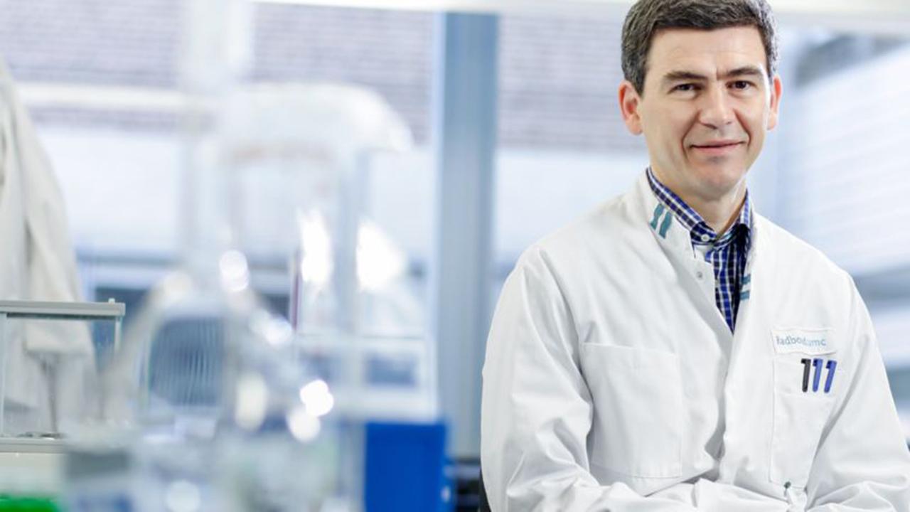"""Mihai Netea, medic infecţionist: """"Datorită ciumei din Evul Mediu, astăzi europenii sunt mai rezistenţi la SIDA"""""""