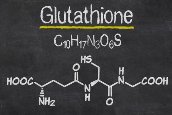 Precursorul glutationului îmbunătățește condițiile asociate cu îmbătrânirea prematură la pacienții cu HIV