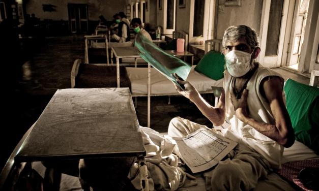 OMS: După mai mult de un deceniu, decesele cauzate de tuberculoză cresc din cauza pandemiei de COVID-19